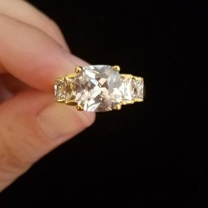 LIA SOPHIA - cushion cut, 5-stone ring, gold tone